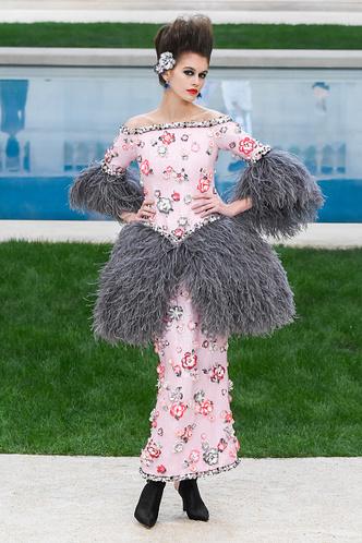 Фото №6 - Наоми, Шейк, Водянова: чем запомнились главные красавицы на Неделе моды