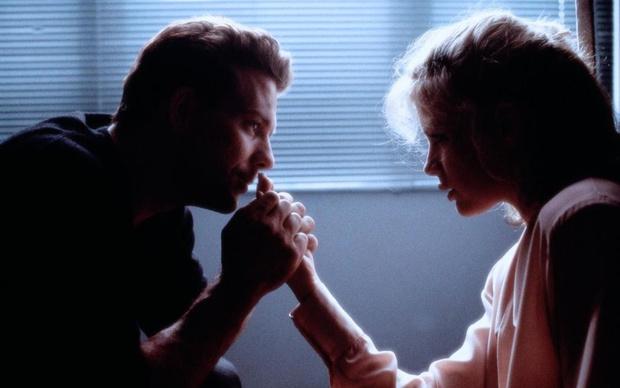 Фото №4 - «9½ недель»: зачем Рурк избил Бейсингер на съемках фильма