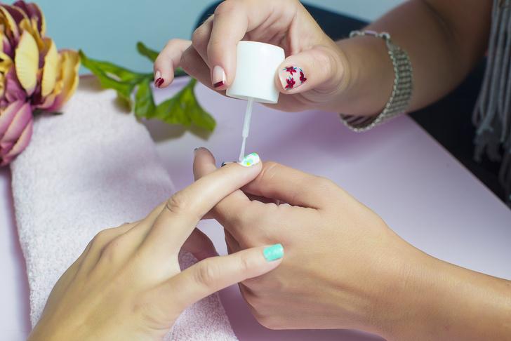 как клеить водные наклейки на ногти