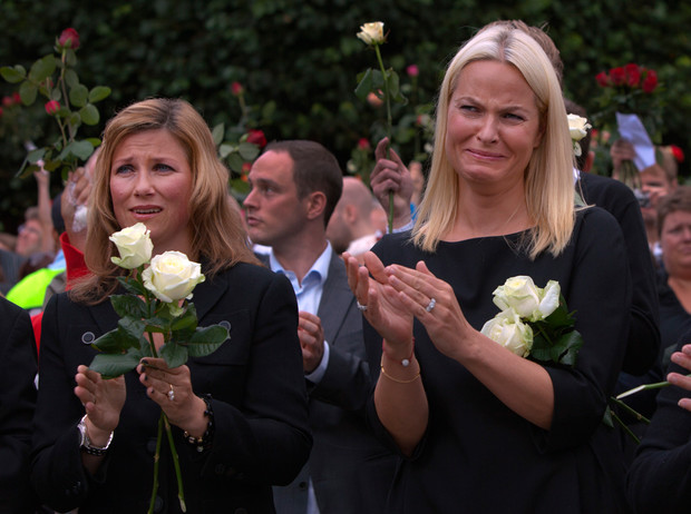 Фото №17 - Как простолюдинки спасли европейские монархии от краха