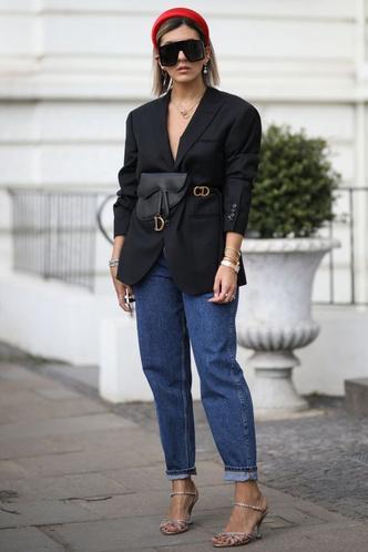 Фото №40 - Свитер и джинсы— это скучно. Лови 40 модных идей, что носить осенью 2021 😎