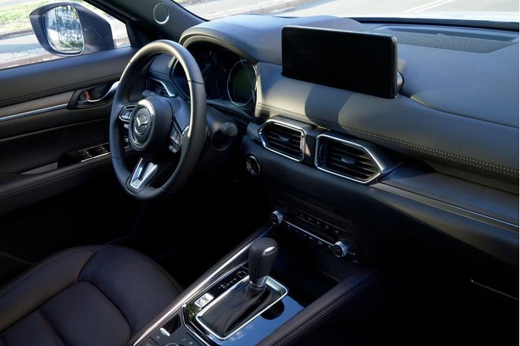 Фото №2 - Обновленная Mazda CX-5 удивила скромностью