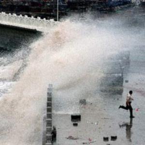 Фото №1 - Тайвань во власти тайфуна