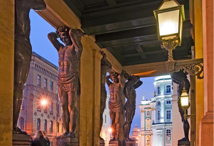 Фото №1 - Сродни раю: прогулка по литературному Петербургу