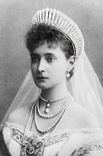 Фото №4 - Любимые ювелиры Романовых: самые роскошные украшения императорской семьи от Дома Болин