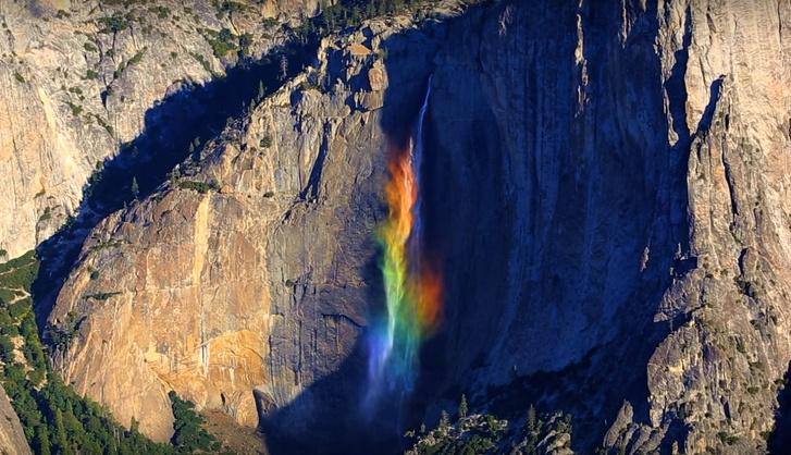 Фото №1 - Водопад-радуга— редкое природное явление, случайно попавшее на видео