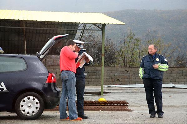 Фото №2 - Мяч на поле балканских  конфликтов