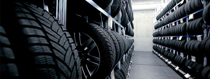 Фото №2 - Почему на шинах делают маленькие резиновые хвостики