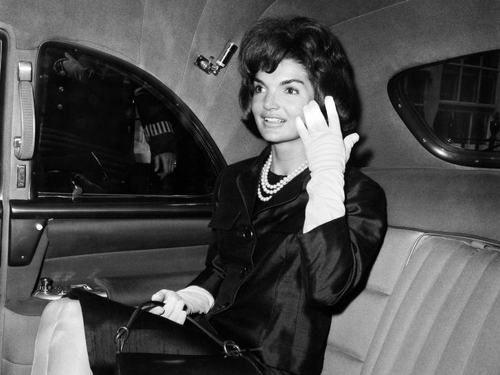 Фото №2 - Модный список Первой леди: любимые бренды Жаклин Кеннеди