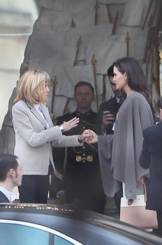 Фото №3 - Анджелина в Париже: Guerlain, Лувр и встреча с Брижит Макрон
