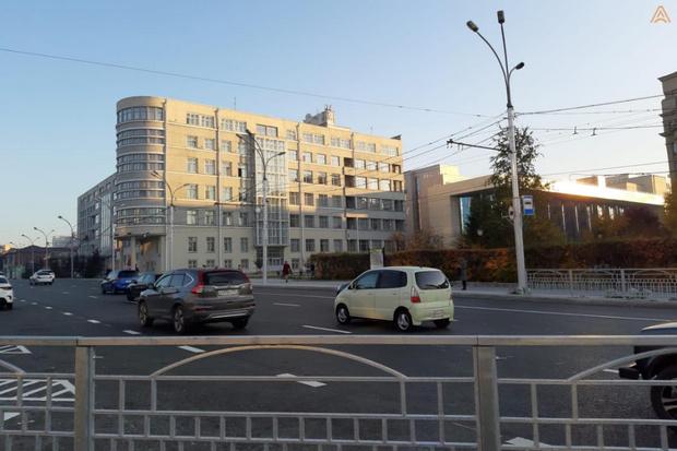 Фото №1 - В Новосибирске на год раньше закончат ремонтировать Красный проспект