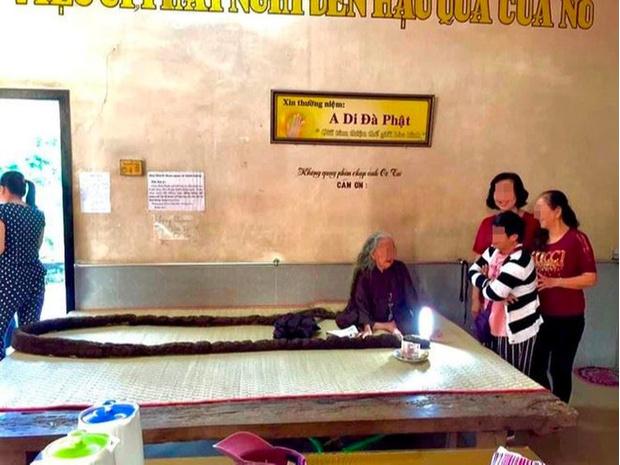 Женщина которая не мыла голову 64 года фото
