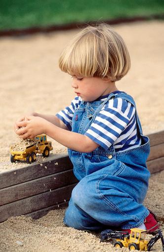 Фото №1 - Первый опыт в песочнице