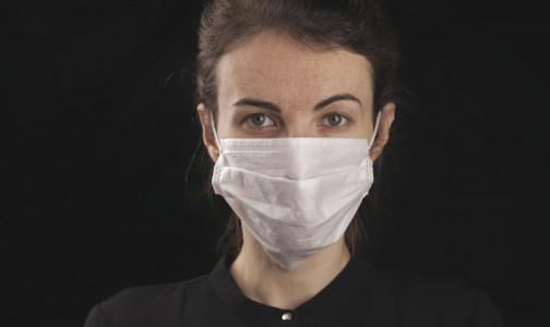 Фото №1 - Одна хорошо защищает от коронавируса, а две - лучше: в США рекомендуют носить разные маски одновременно