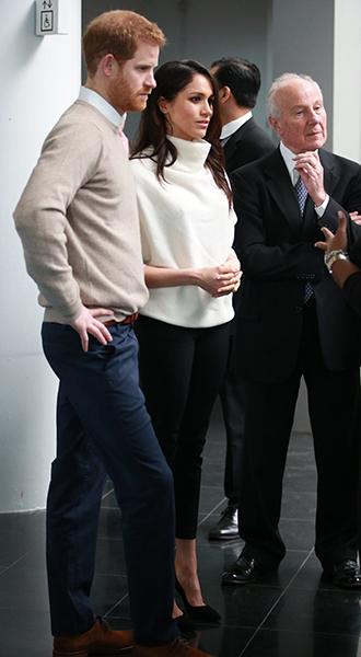 Фото №12 - Меган Маркл и принц Гарри приехали в Бирмингем