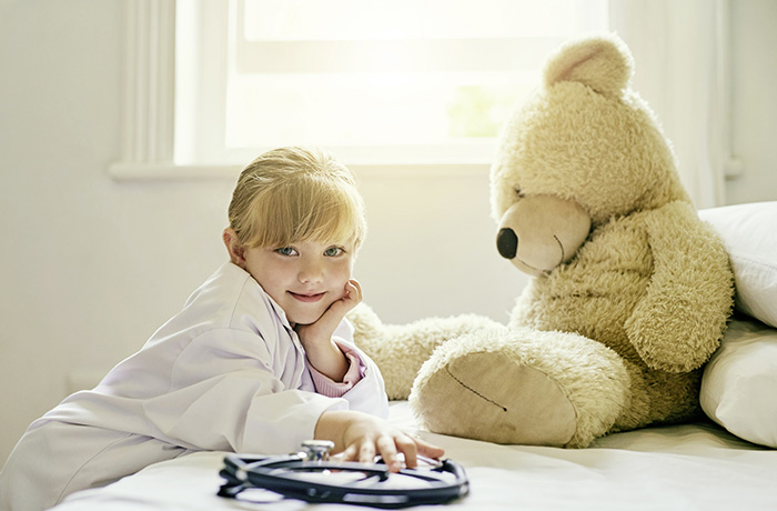 Фото №1 - Поить и любить: лечим детей без лишней нервозности