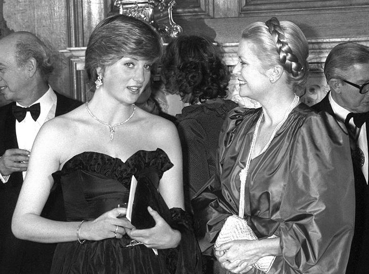 Фото №7 - Черное платье Дианы и ее первая ссора с женихом: как проходил дебют невесты Чарльза