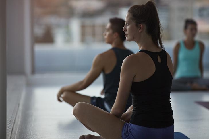 Фото №1 - «Как плохой тренер по йоге довел меня до больничной койки»