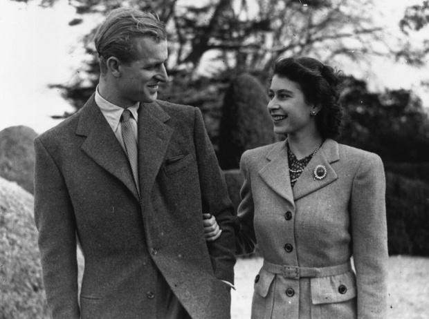 Фото №1 - Любовь в подарок: как случайность положила начало отношениям Елизаветы и принца Филиппа