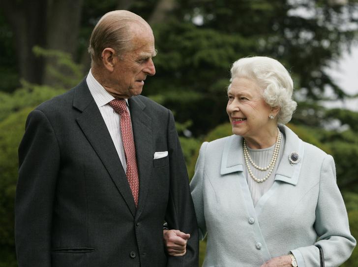 Фото №3 - Плохая партия: почему родители Елизаветы были против ее брака с принцем Филиппом