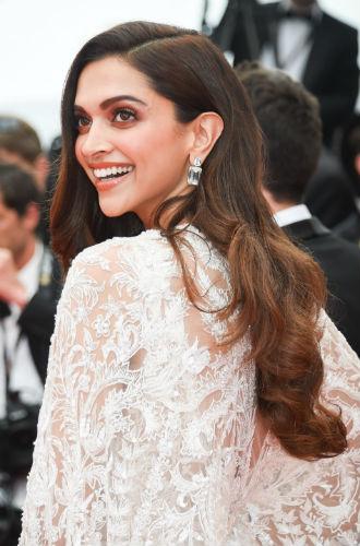 Фото №25 - Красивые Канны-2018: лучшие образы звезд в третий день кинофестиваля