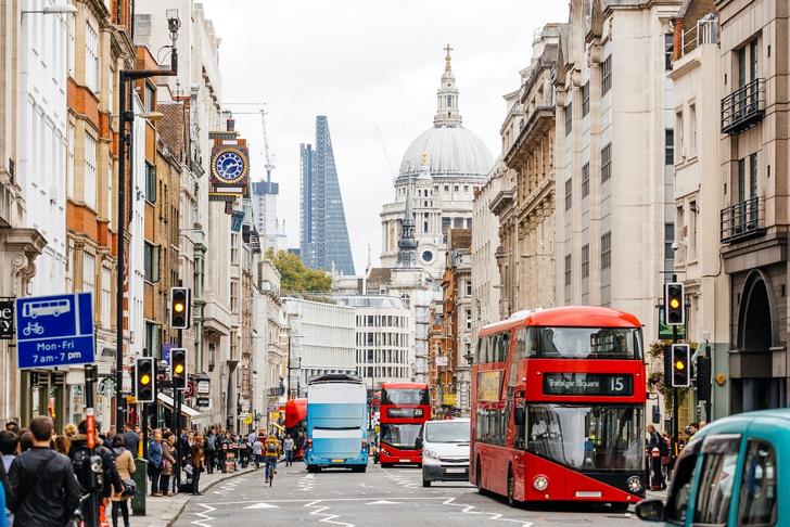 Фото №2 - Всё, что вы не знали о: знаменитости в метро, проклятия в очередях и еще 24 факта о жизни в Лондоне