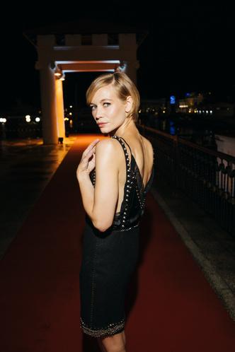 Фото №25 - Кинотавр-2021: лучшие звездные образы кинофестиваля
