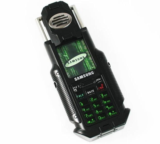 Фото №4 - Самые странные телефоны из прошлого, которые на фоне современных смартфонов выглядят внезапно футуристично