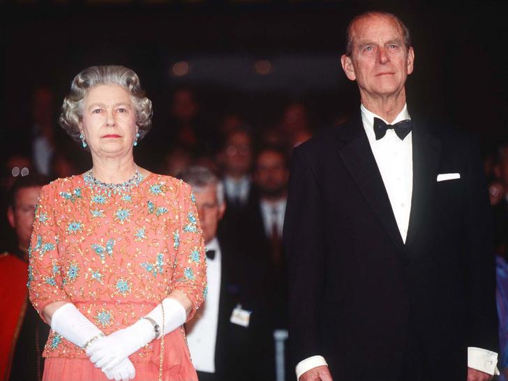 Фото №2 - Почему Королева и принц Филипп заключили брачный договор через 40 лет после свадьбы