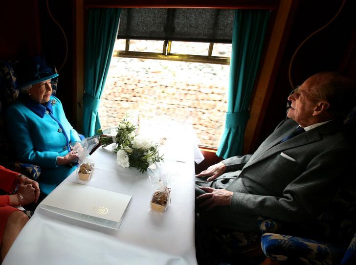 Фото №5 - Испытание на прочность: самый трудный период брака Королевы и принца Филиппа