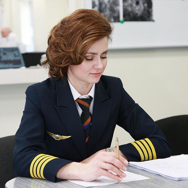 Фото №3 - Пилот Мария Уваровская: «Летать в паре  с женщиной  пока  не приходилось»