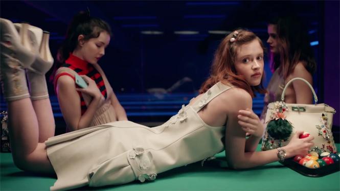 Фото №1 - Королевская ночь: Ребекка Злотовски сняла мини-фильм для Fendi