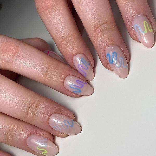 Фото №8 - Skittle nails: 12 идей конфетного маникюра