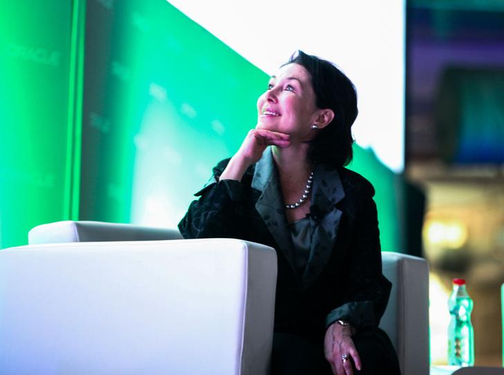 Фото №12 - Вслед за Биллом Гейтсом: Сафра Кац – самая высокооплачиваемая женщина-CEO в мире