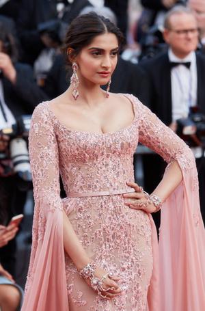 Фото №25 - Голливуд, подвинься: 7 потрясающих звезд индийского кино