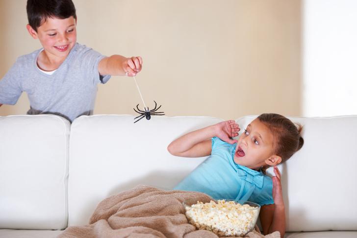Фото №3 - 10 фраз из нашего детства, которые не стоит говорить ребенку