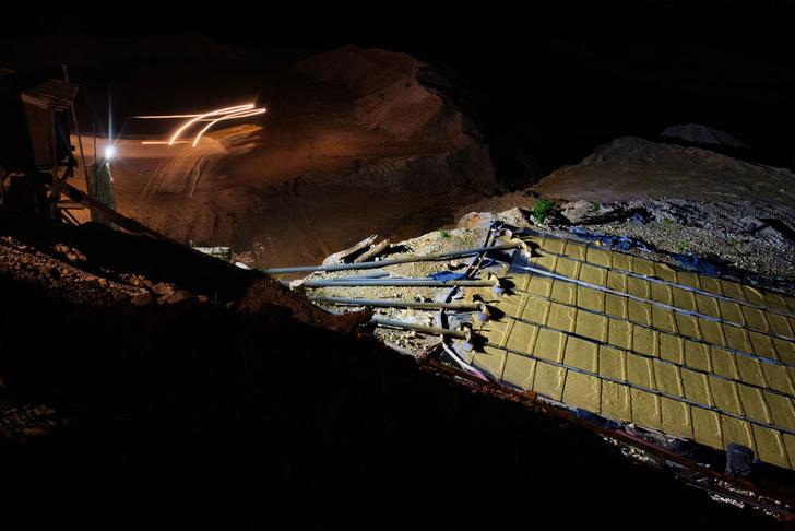 Фото №10 - Фоторепортаж: как добывают золото в джунглях Перу