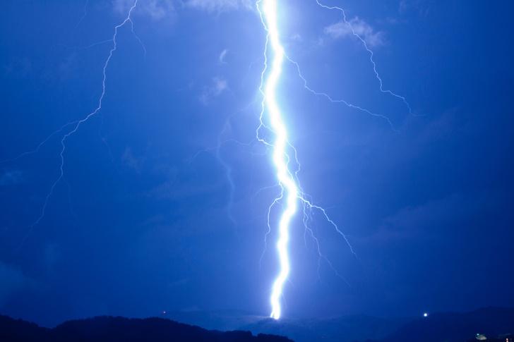 Фото №1 - Жизнь на Земле могла зародиться благодаря ударам молний
