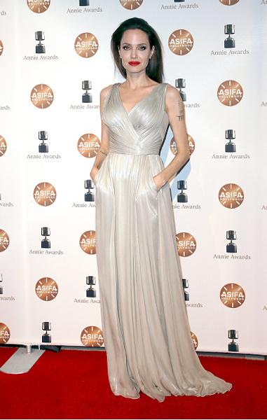 Похорошела: Джоли выглядит как сестра своих детей — Молодежный ...