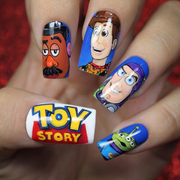 Маникюр с персонажами «Истории игрушек»