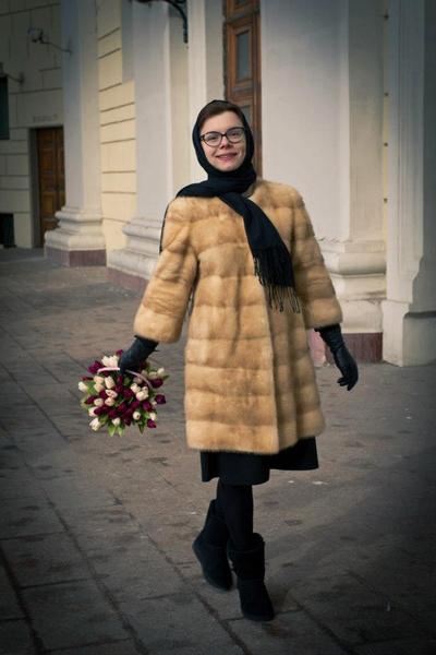 Фото №6 - Из провинциального библиотекаря в леди Шанель: как дорожал «бабушкин стиль» Татьяны Брухуновой