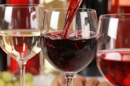 Фото №1 - Все вино — в Ватикане