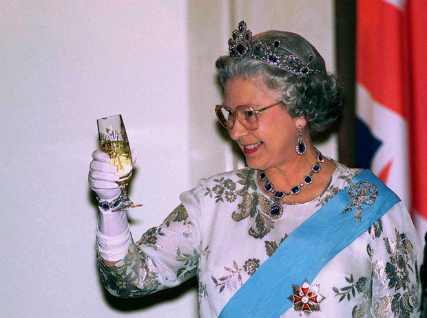 Фото №6 - 5 правил королевского этикета, которые нужно выучить Меган Маркл уже сейчас