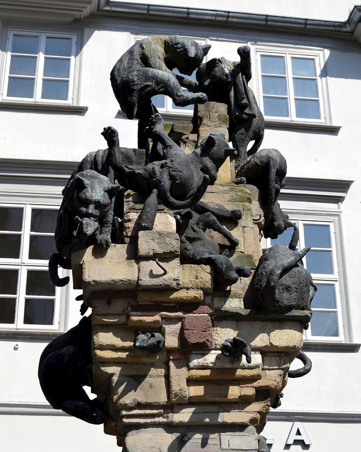 Фото №6 - Короли улиц: 9 памятников кошкам