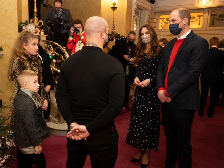 Фото №3 - Маленький джентльмен: первый светский выход принца Луи покорил поклонников