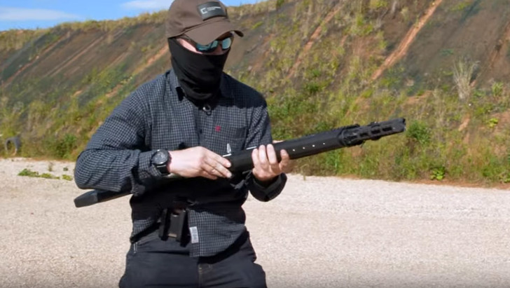 Фото №1 - Как выглядит новое ружье от Калашникова, которое синхронизируется со смартфоном (видео)