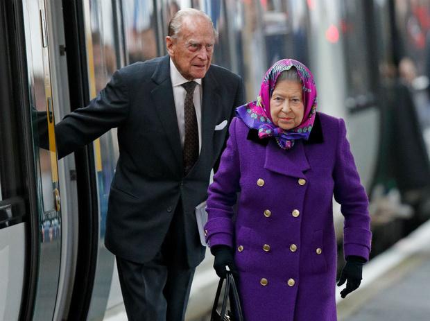 Фото №2 - Почему Королева и принц Филипп не жили вместе