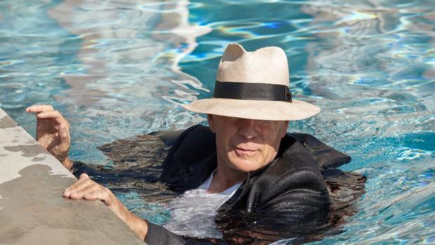 Фото №4 - Знаменитости у бассейна: как отдыхают звезды