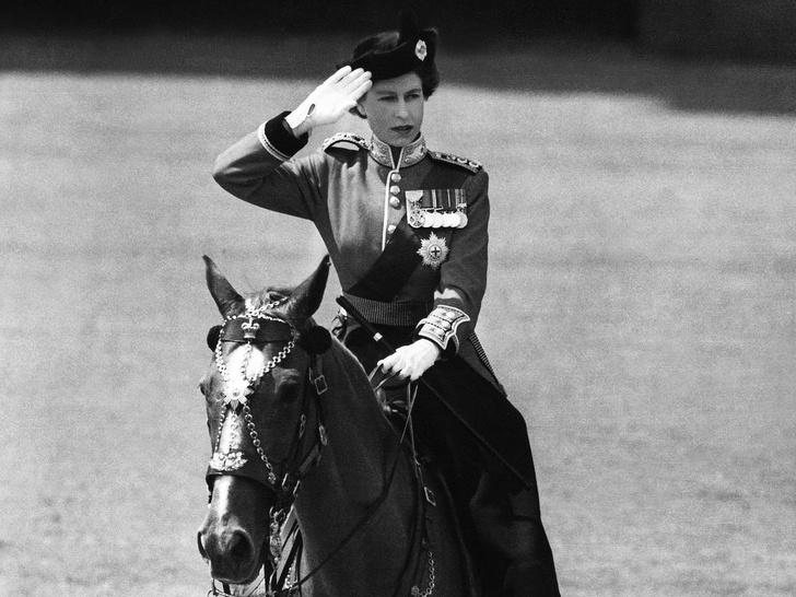 Фото №1 - Другая Елизавета: как вступление на престол изменило Королеву