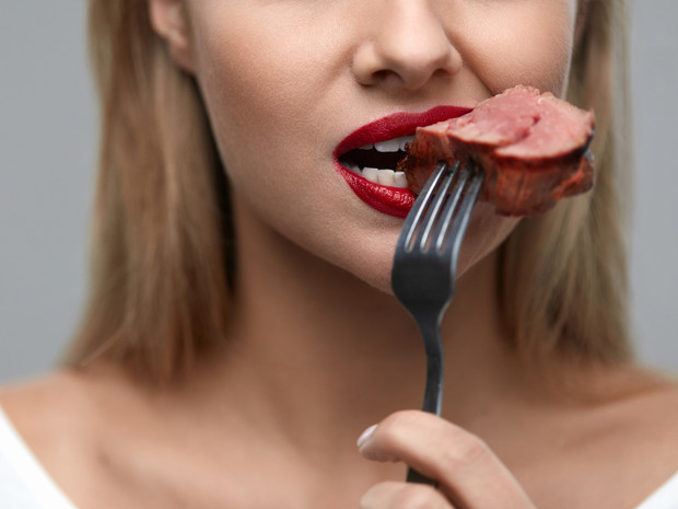 Фото №1 - Польза или вред: как красное мясо влияет на наш организм